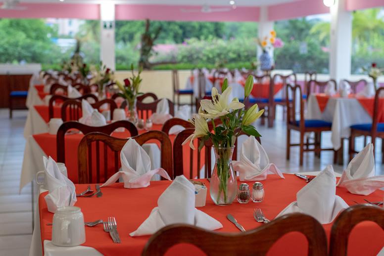 020719Qualton-Restaurante0001