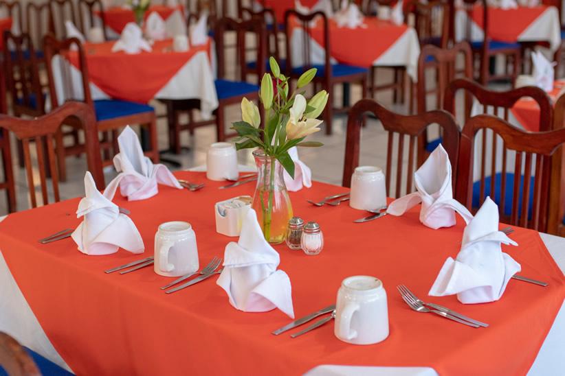 020719Qualton-Restaurante0002